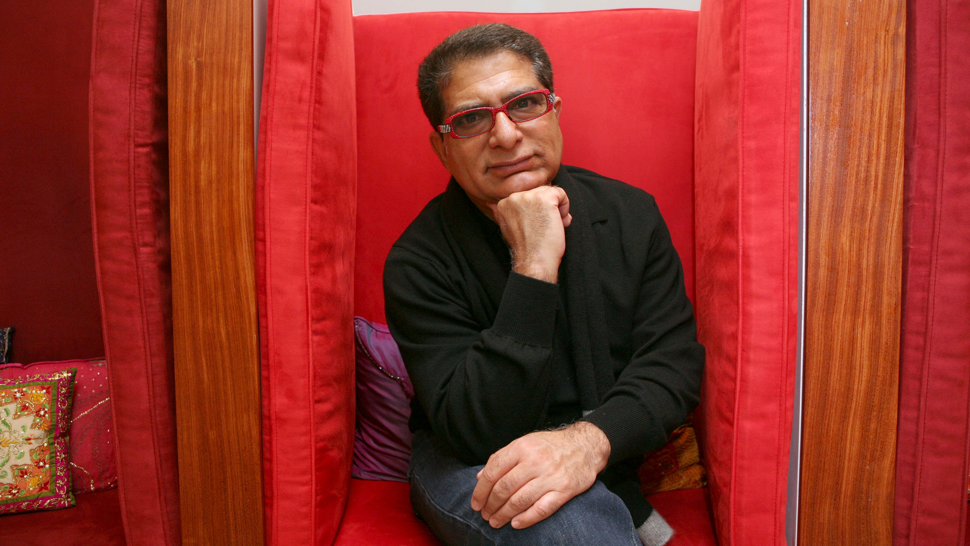 Deepak Chopra Thinks Stomach Bacteria Listens to Your Thoughts