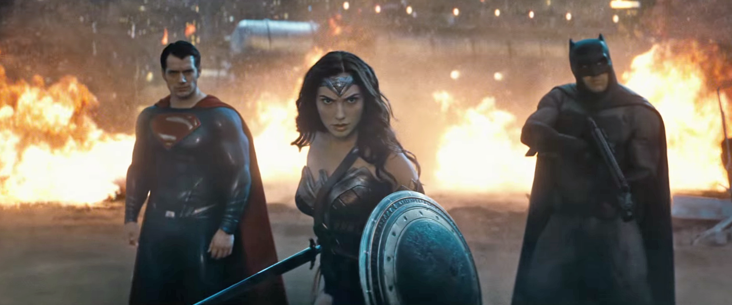 Watch 11 Minutes Of Batman v Superman, Constructed From All Of The Film's Promos