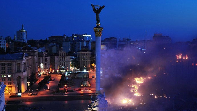 Photoshop shows the dramatic difference between peace and war in Kiev