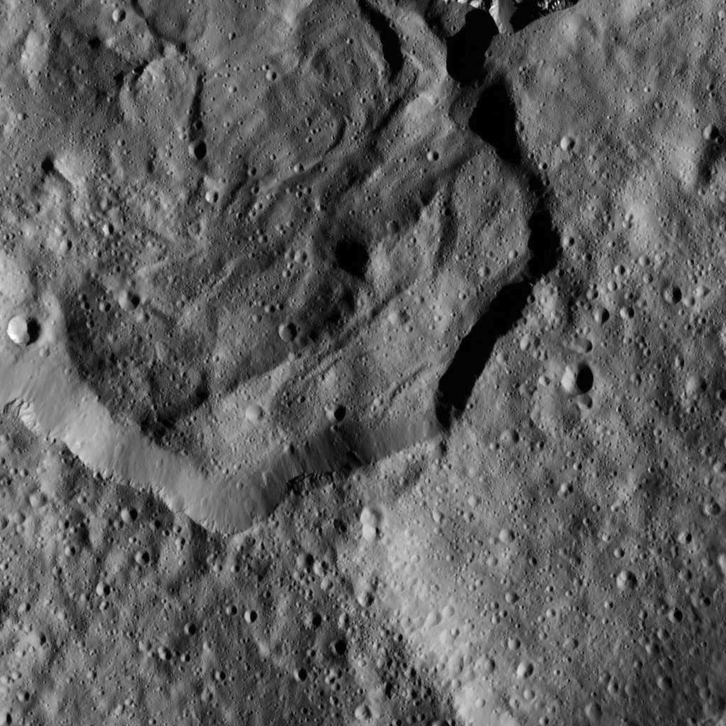 There's Something Surprising Lurking in Ceres' Mysterious Bright Spots
