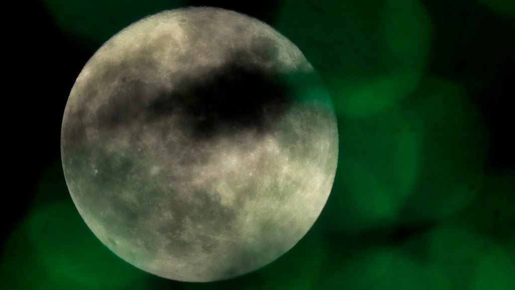 Celestial trifecta: Full moon, eclipse, comet to be visible Friday night