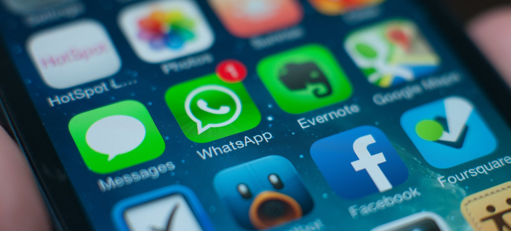WhatsApp Is Axing Its $US1 ($1) Subscription Fee to Become Entirely Free