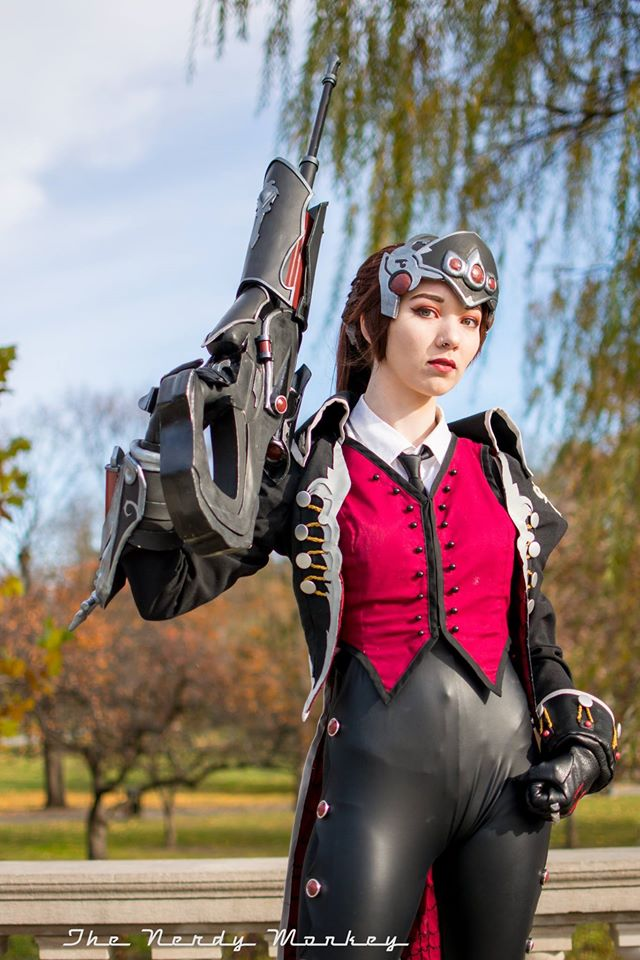 No One Can Hide From This Widowmaker Cosplays Sights