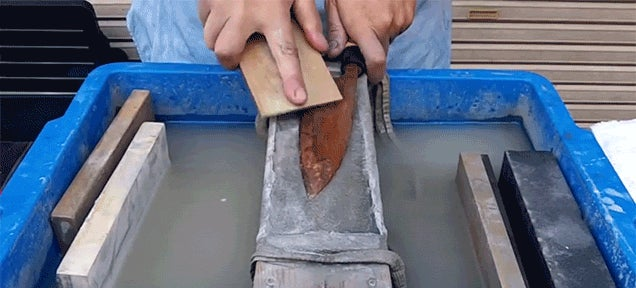 Watch a Rusty Knife Get Cleaned and Sharpened to Reveal a Beautifully Shiny Blade