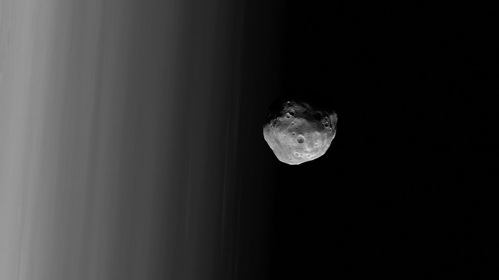 One of Mars' Moons Is Literally Pulling Itself to Pieces