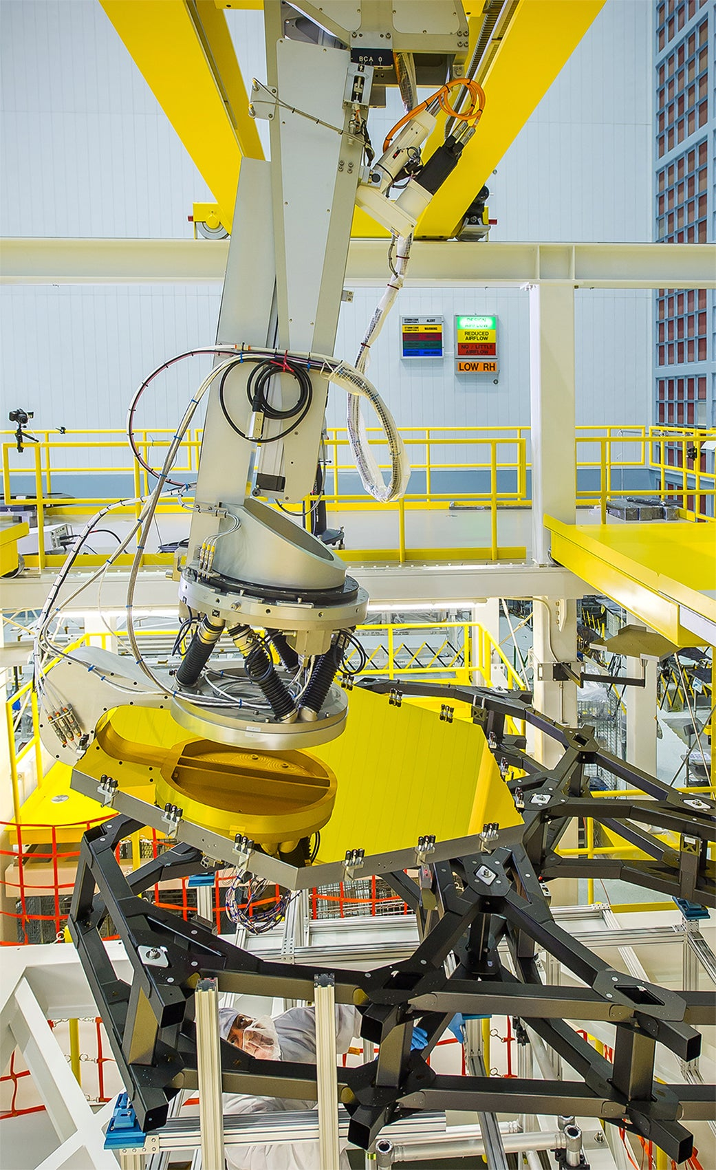 This Robotic Arm Slips James Webb's Mirrors Exactly Where They Need to Be