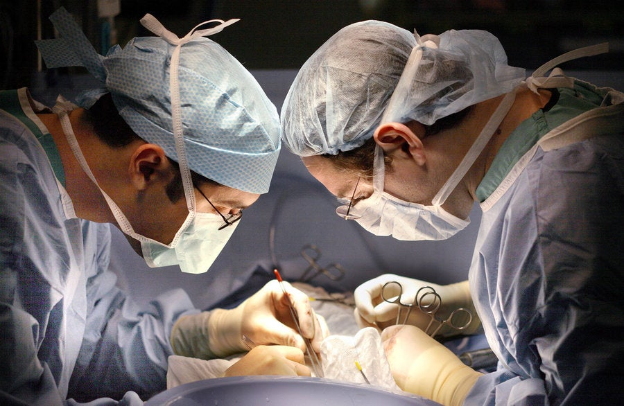 Doctors Successfully Perform World's First HIV-Infected Liver Transplant