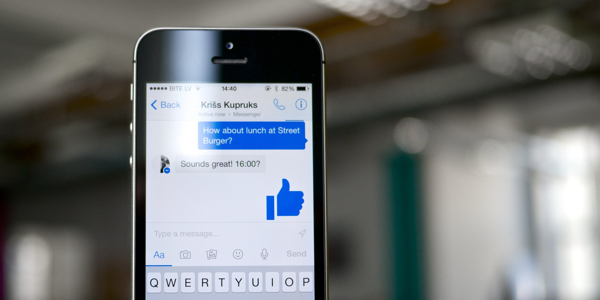 Facebook Messenger Will Reportedly Let Developers Build Armies of Chat Bots