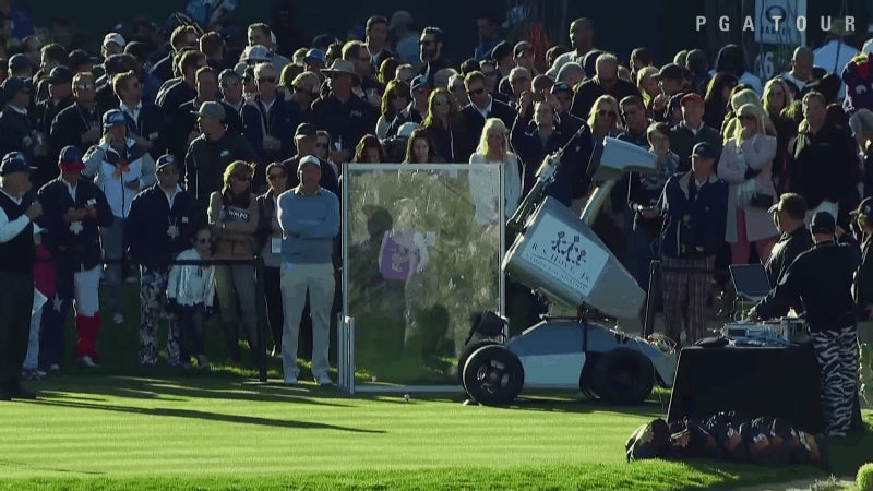 Watch a Robot Golfer Sink a Hole-in-One Just Like Tiger Woods