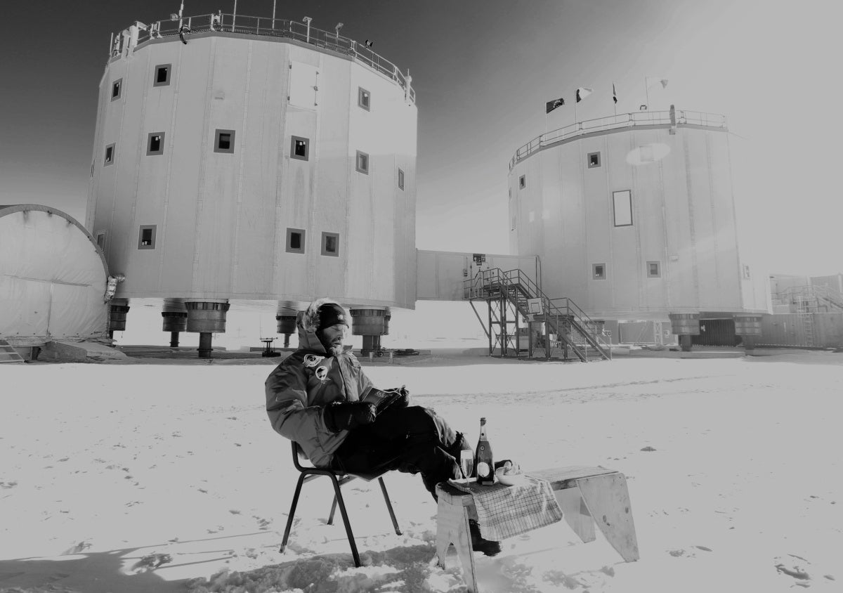 This Is the Lonely Lunch Break of an Antarctic Research Scientist