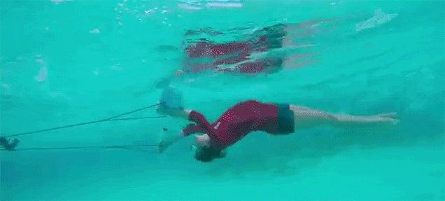 Flying Underwater Looks Like So Much Fun