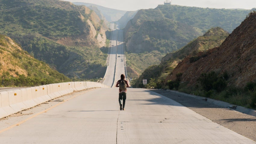 Zombie Survivors Search For Purpose In This Fear The Walking Dead Featurette