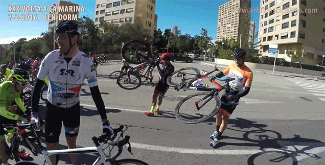 Watch Cyclists Get Blown Backwards in a Race Because the Wind Was Too Strong