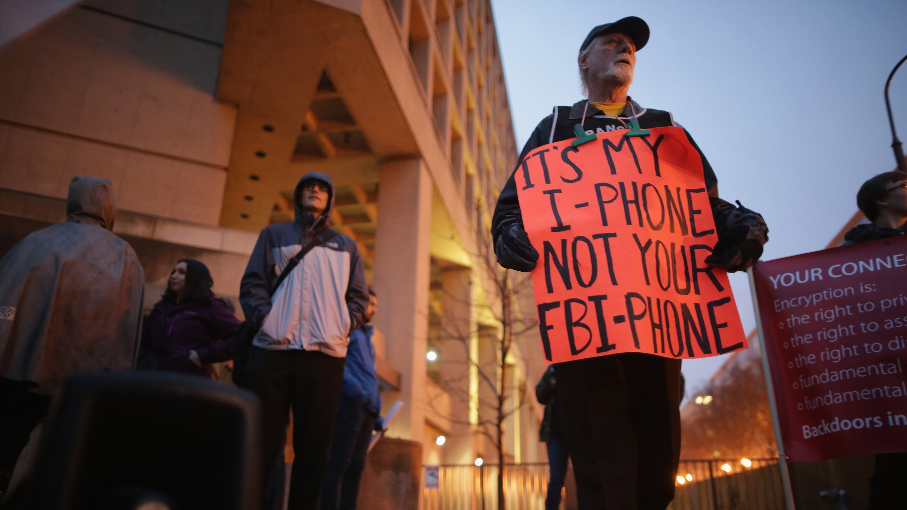 Apple Fans Don't Actually Care About the Whole FBI iPhone Thing