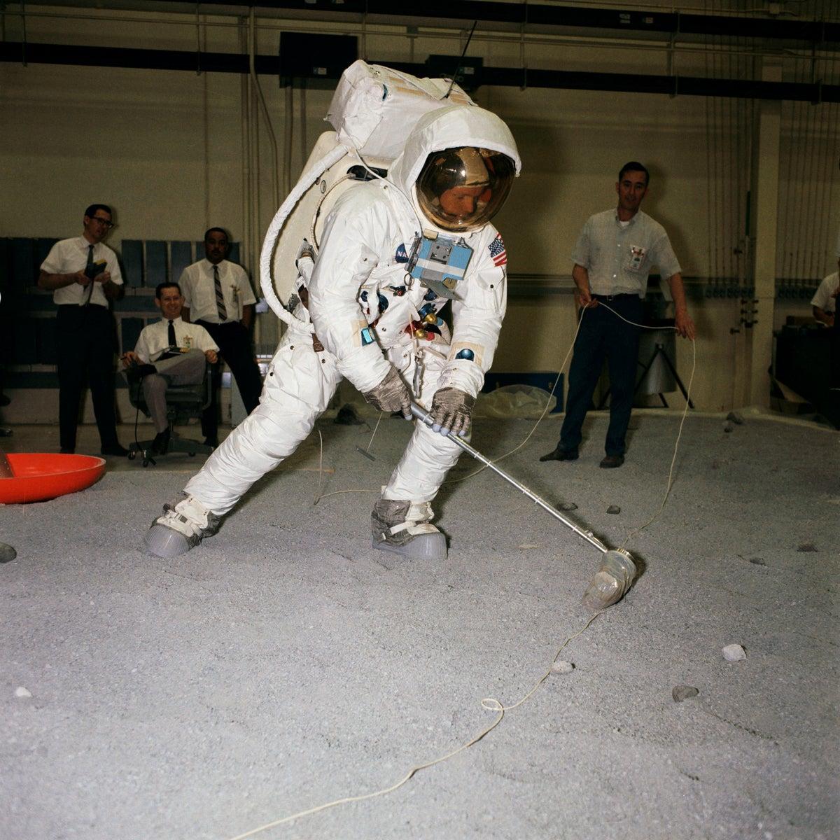 moon landing evidence - photo #31