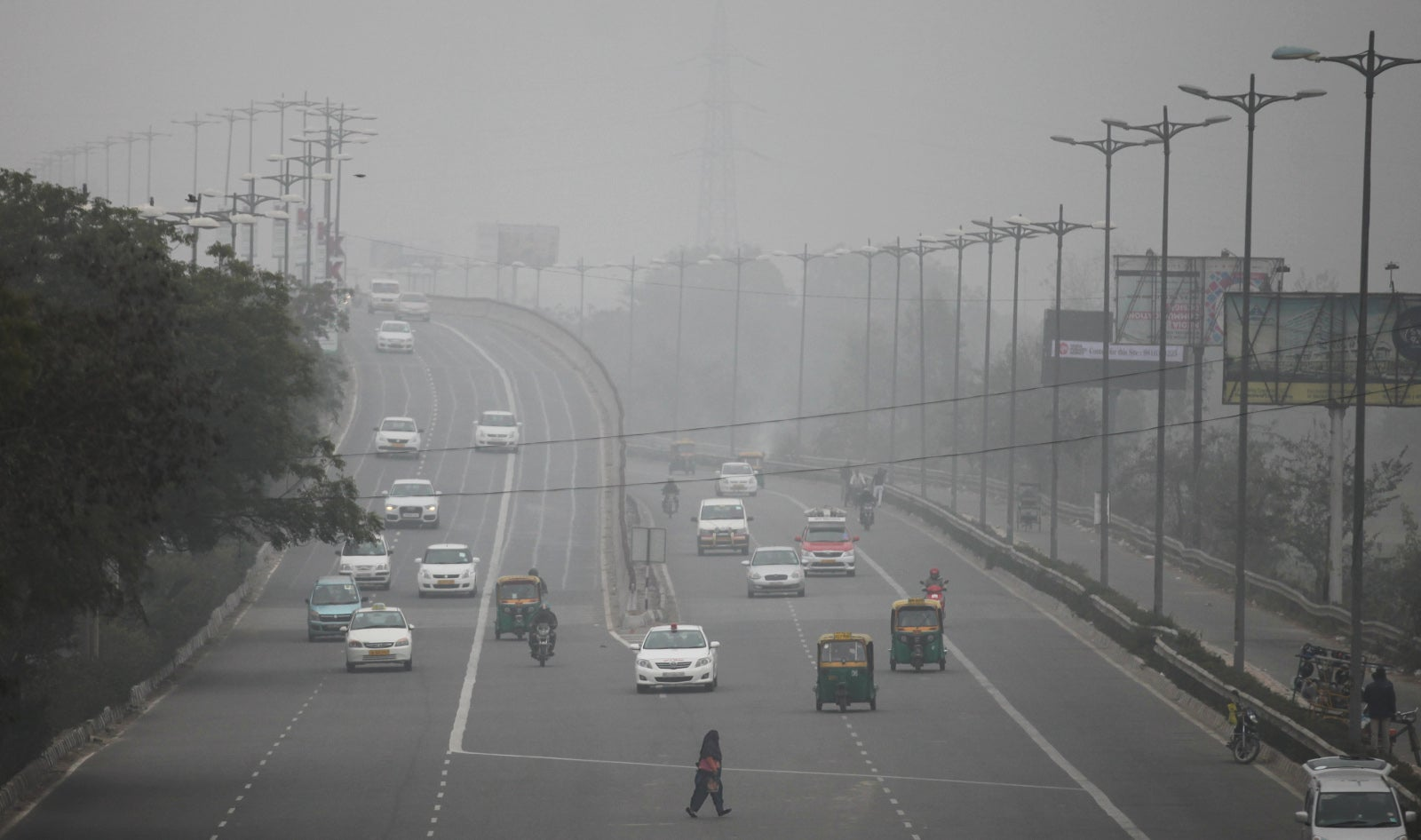 In Pictures: Delhi Still Chokes on Smog Despite Banning Half Its Cars