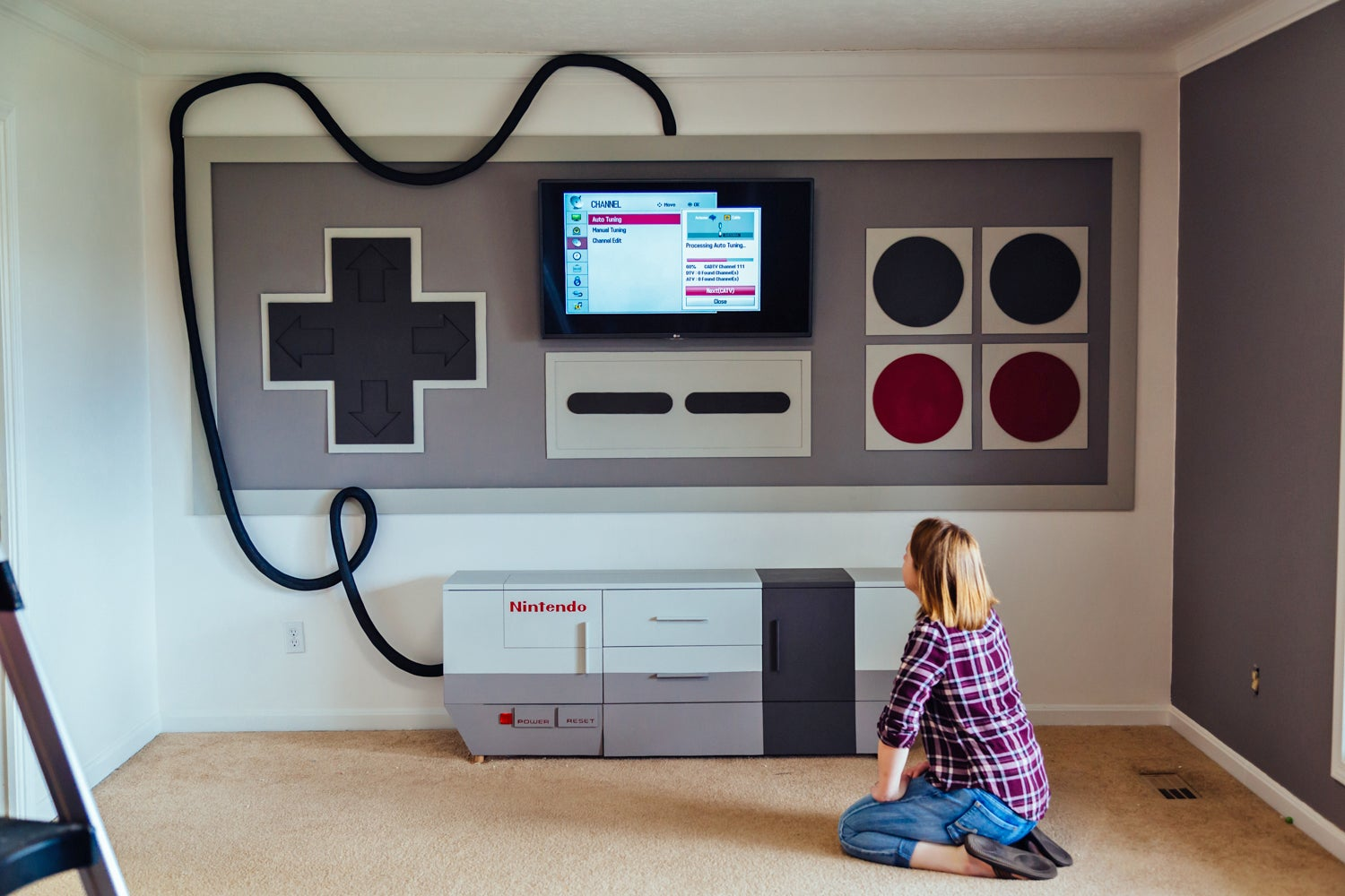 A Giant NES Home Theatre Is Exactly How Duck Hunt Was Meant to Be Played