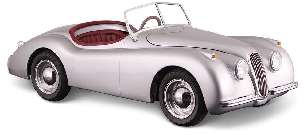 A Tiny Drivable Jaguar Replica Might Be the Perfect Car For Big City Commutes