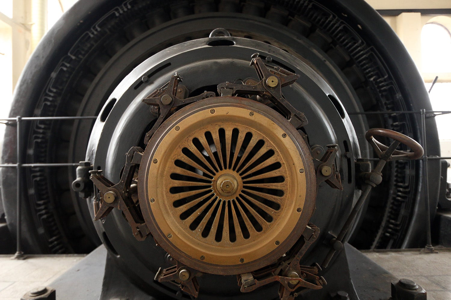 This Dieselpunk Shrine Hides a Century-Old, Fully Operational 800 HP Motor
