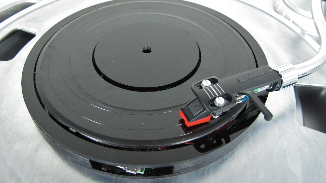 This Bluetooth Adaptor Streams Music Through Your Record Player