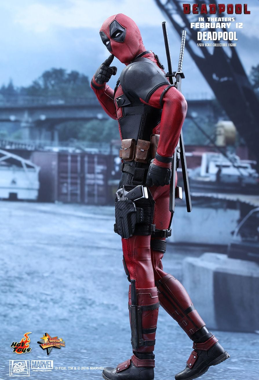Hot Toys' New Deadpool Figure Comes With Some Appropriately Goofy Accessories