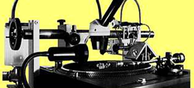 This Contraption Cuts Vinyl Records From Digital Audio In Real Time