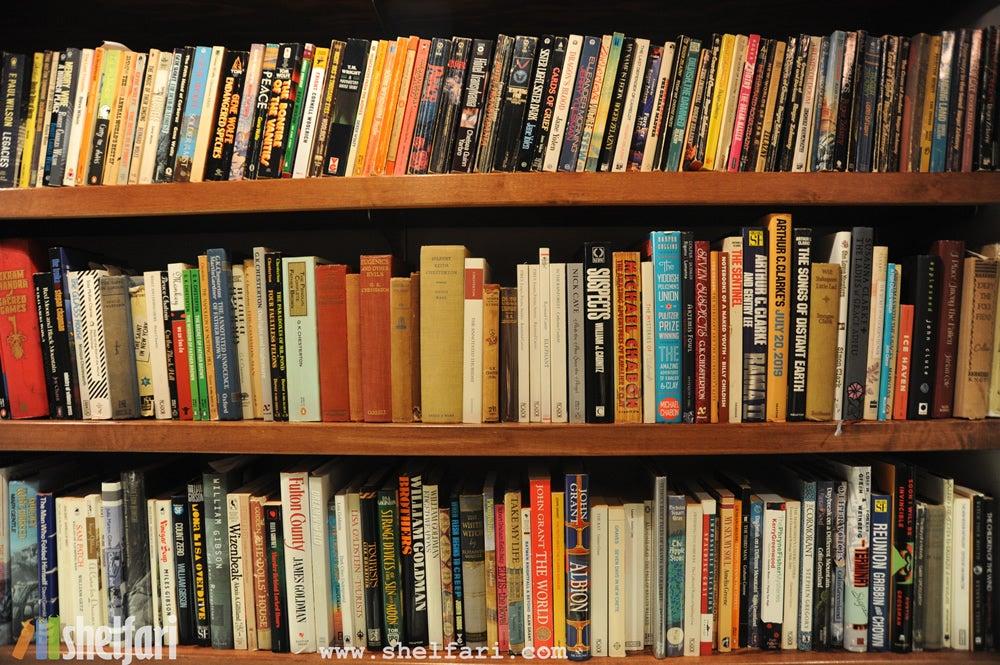 Neil Gaimanin kirjastosta