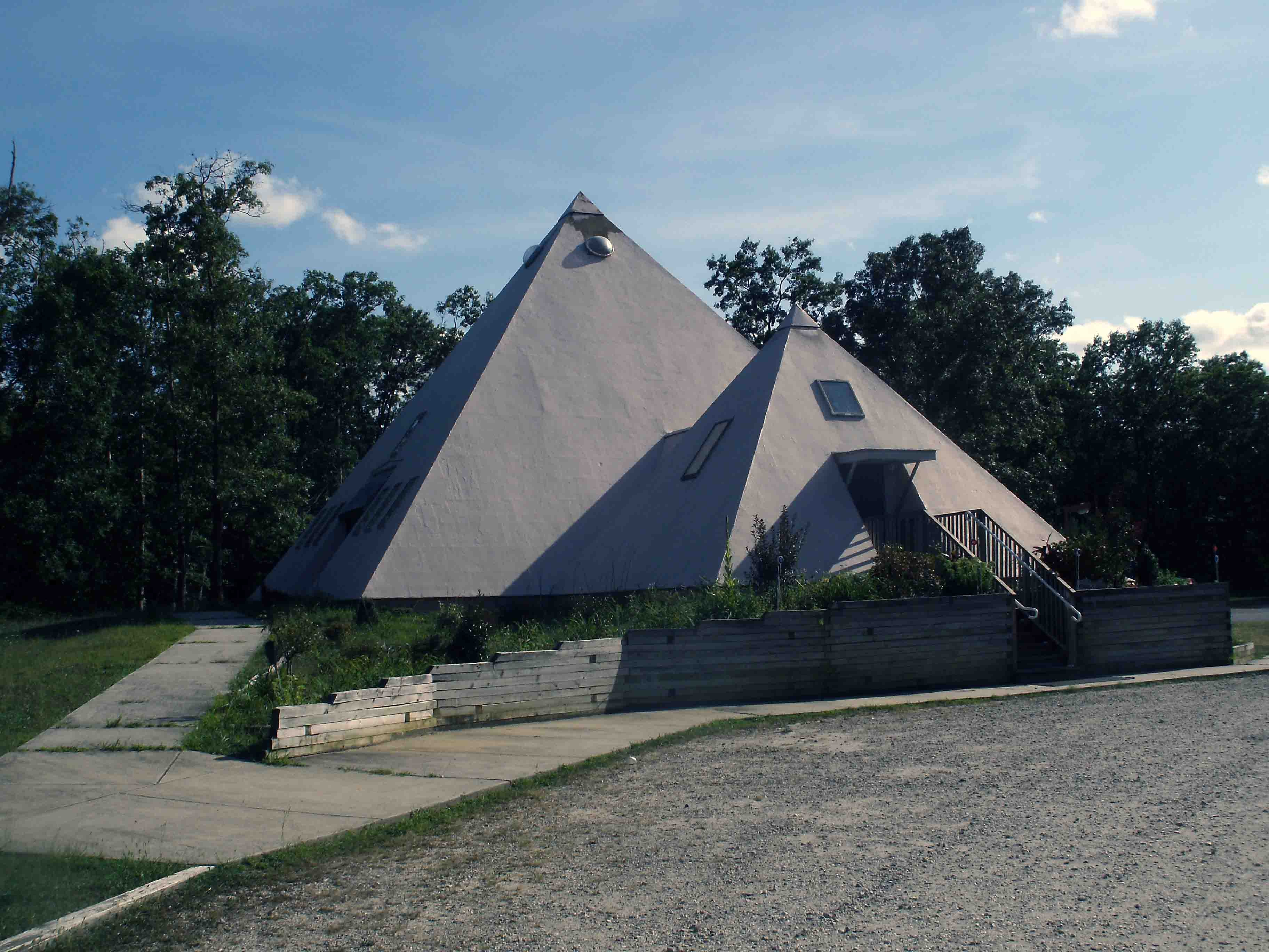 Magnificent Modern Buildings That Look Like Ancient