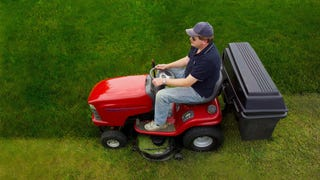 Wisconsin judge rules DUI laws apply to riding lawnmowers, sparks panic among Midwest dads