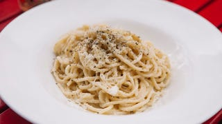 How to master cacio e pepe, the deceptively difficult paragon of pasta