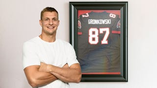 Rob Gronkowski Thrilled After Purchasing Rare, Game-Worn Rob ...