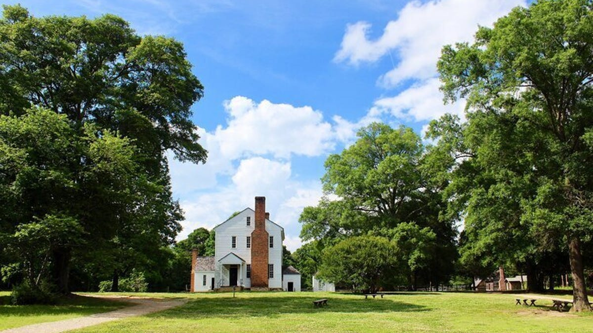 NC Plantation Cancels Juneteenth Event Where 'Massa' Would Have Waxed Poetic About the Confederacy