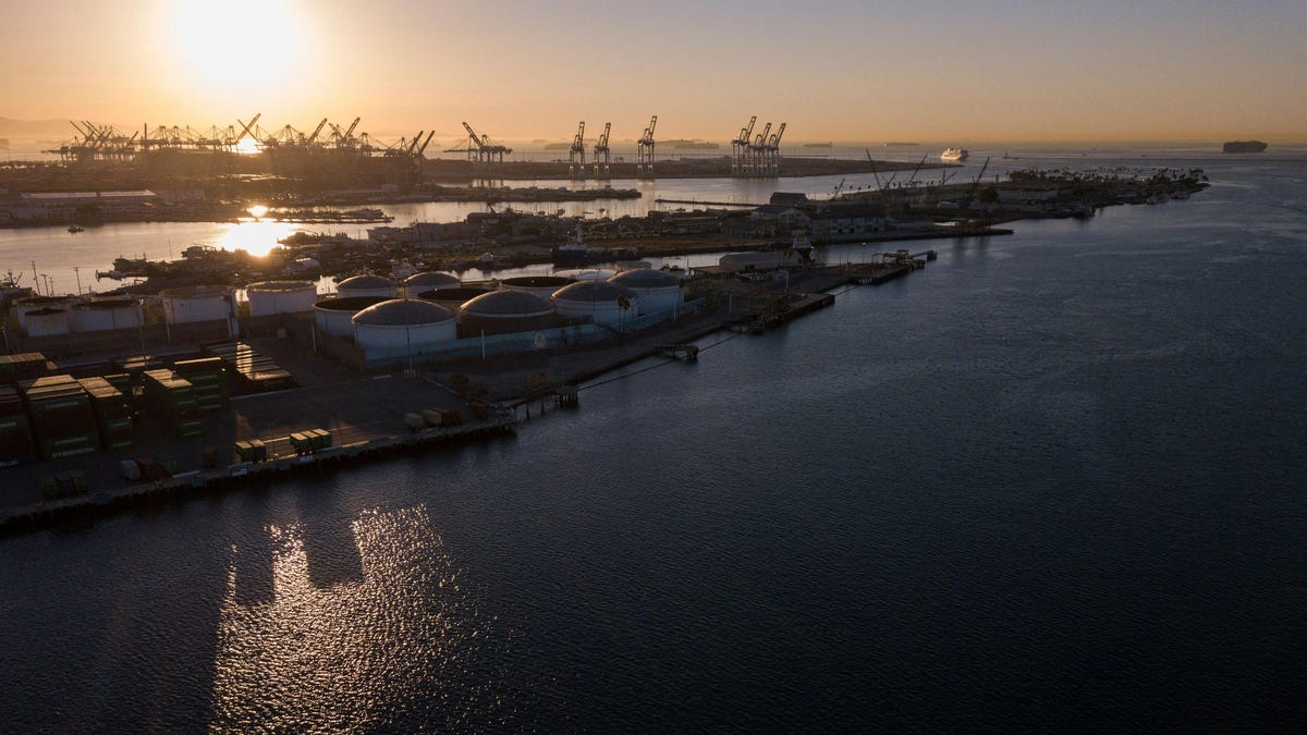 Cargo Ships Waiting to Unload in California Reach All-Time High