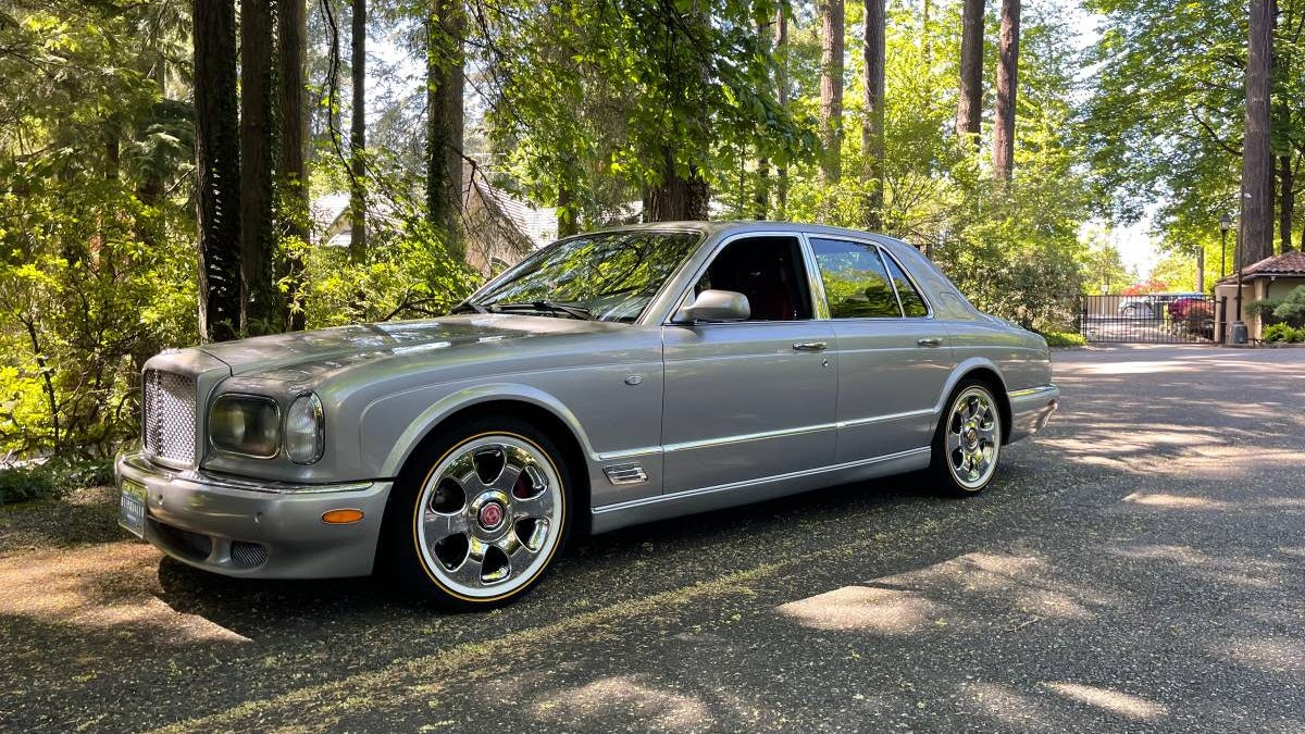 At $21,000, Is This '01 Bentley Arnage Worth Its Weight In Grey Poupon?