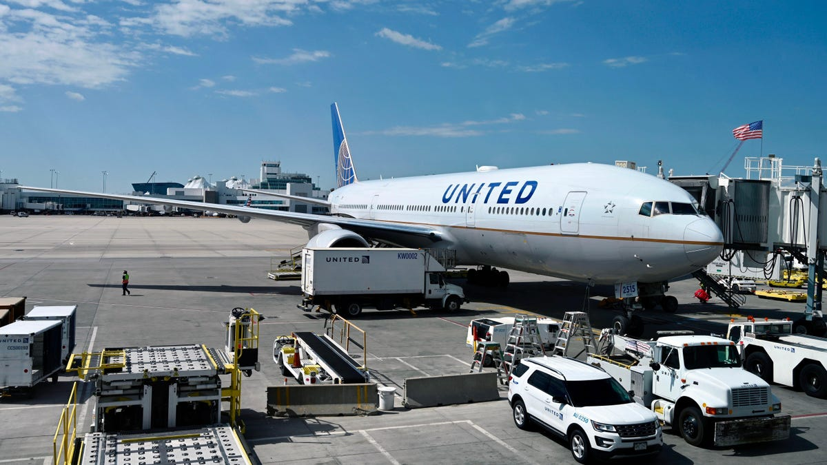 United Airlines Buys 270 New Airplanes in Largest Order of the Past Decade thumbnail