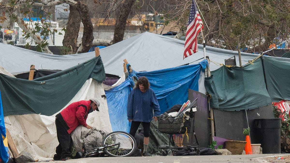 Apple Airtags Used to Prove That Contractor Illegally Trashed Unhoused People's Property