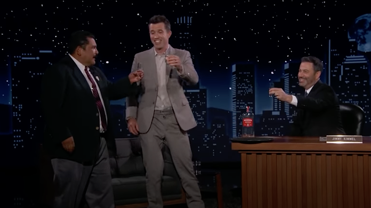 Rob McElhenney does shots while telling Jimmy Kimmel about getting high with Snoop