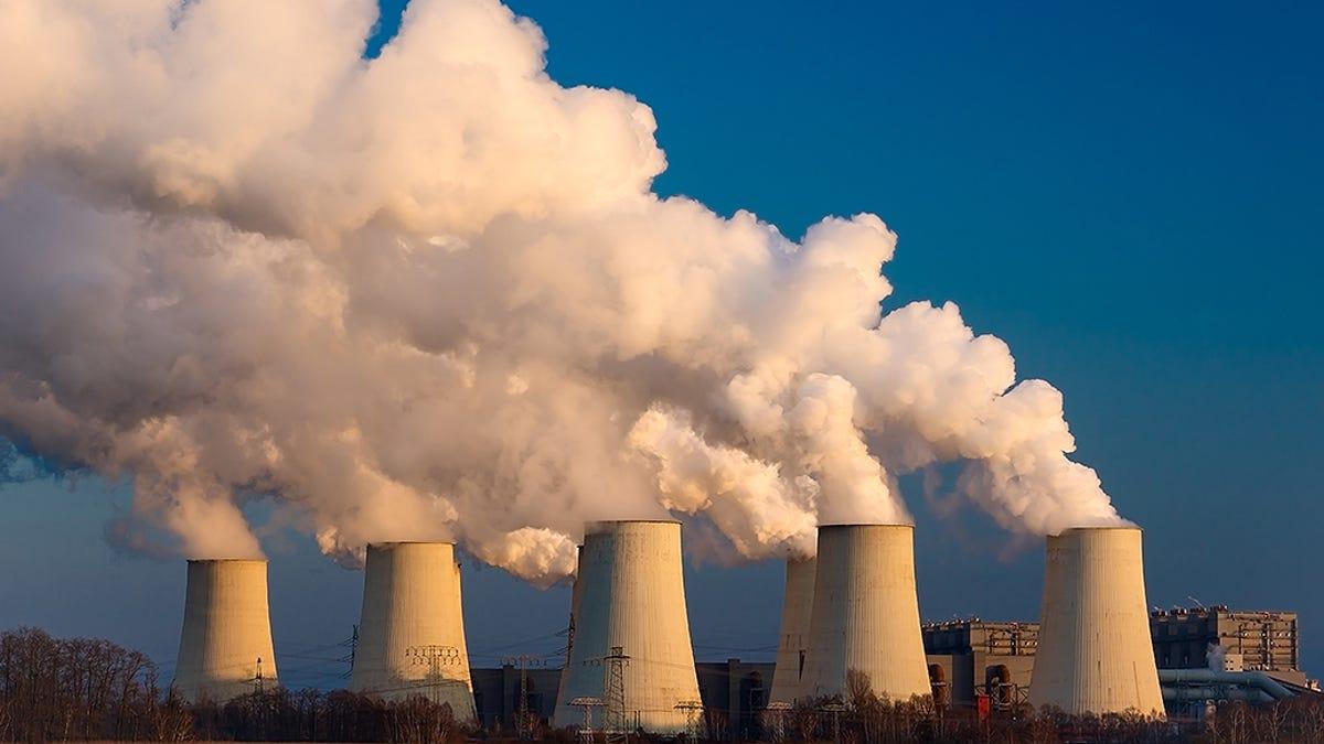 De contaminación a tesoro: logran convertir CO2 del aire en fibras de carbono