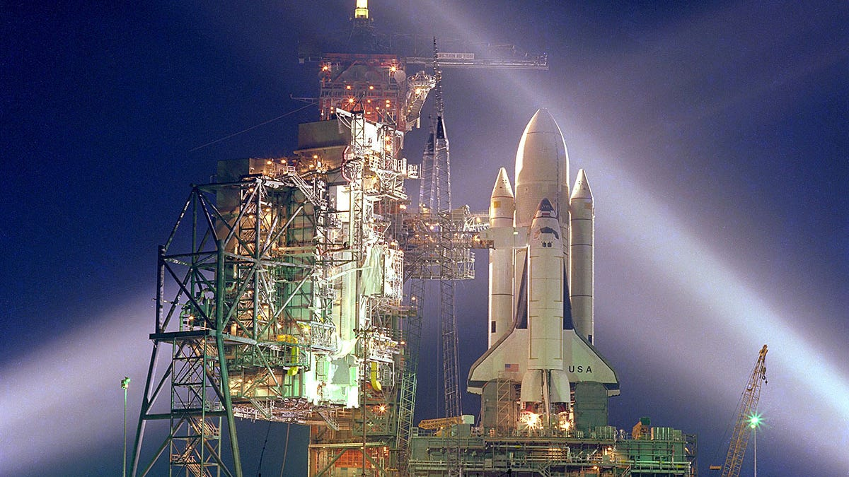 This Is Why The Space Shuttle's External Fuel Tank Stopped Being Painted White