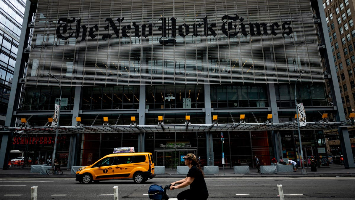 New York Times Lawyer Mistakenly Sends Private Email on How to Deal With the Union to… the Union thumbnail