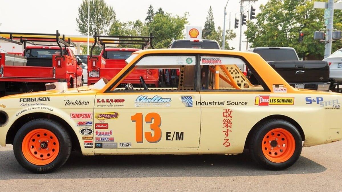 Dieser Ford V6-angetriebene Datsun 510 ist ein Spinner, der reißt