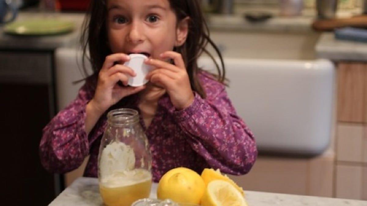 Turn That Last Bit of Honey into Delicious Lemonade
