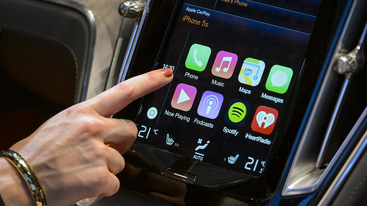 QnA VBage Apple's Big CarPlay Plans Probably Aren't Going To Be A Hit With Automakers