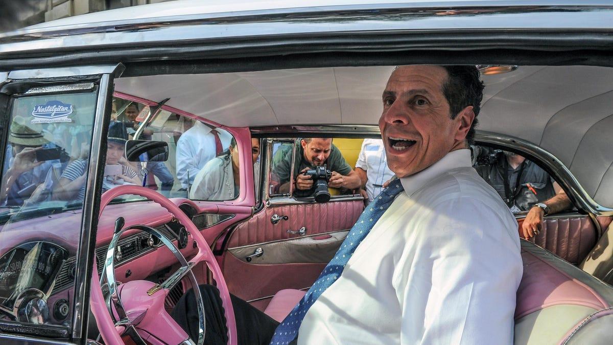 Mutmaßlicher Drecksack und bestätigter Bland Boomer Car Guy tritt zurück