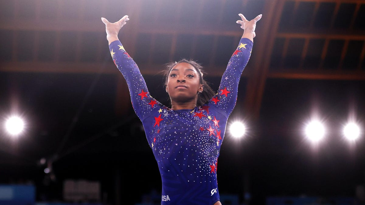 Simone Biles Admits to Having 'Weight of the World on My Shoulders' After Rough Olympic Debut