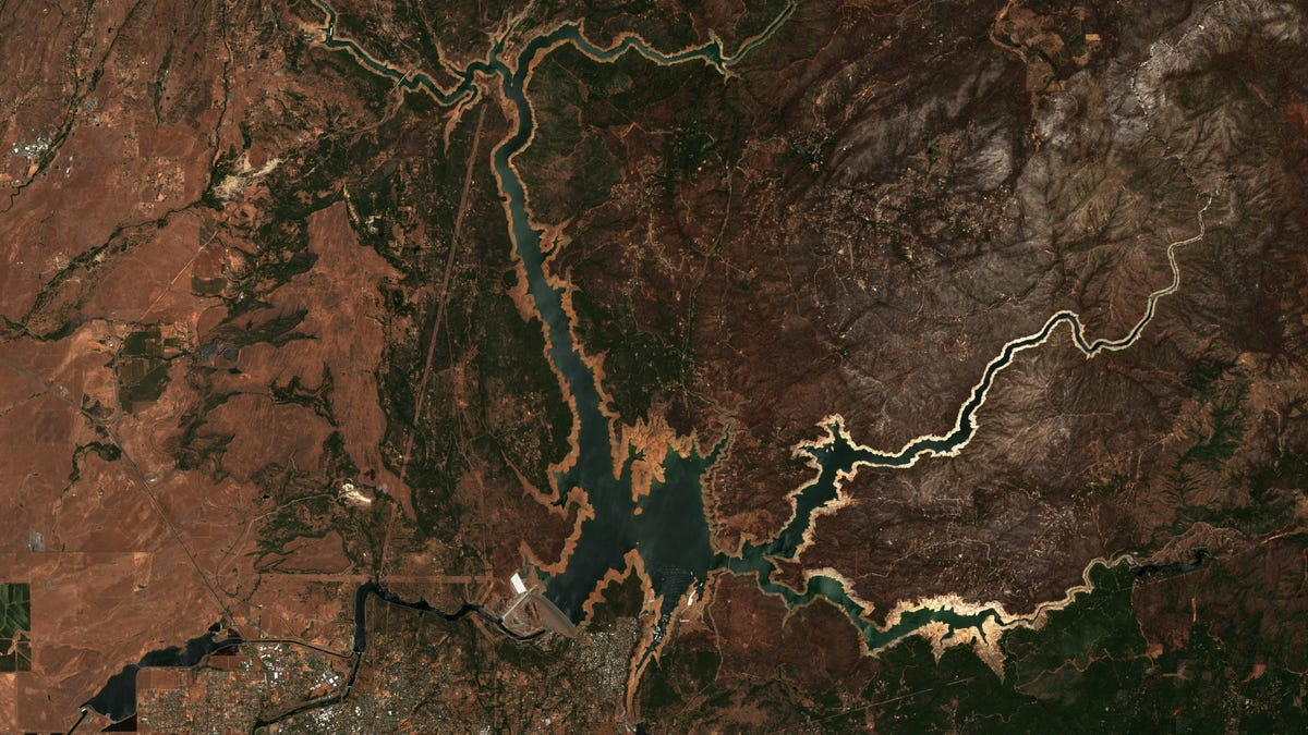 7 Shocking Satellite Images Reveal the West's Megadrought