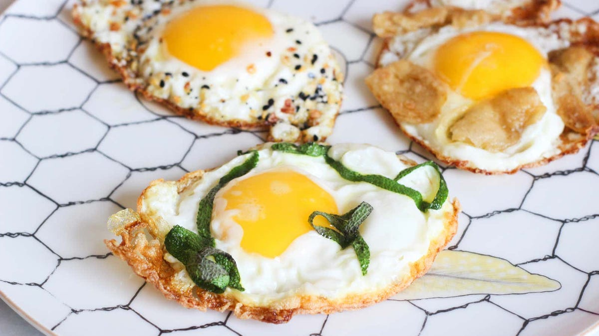8 Ways to Fry a Better Egg
