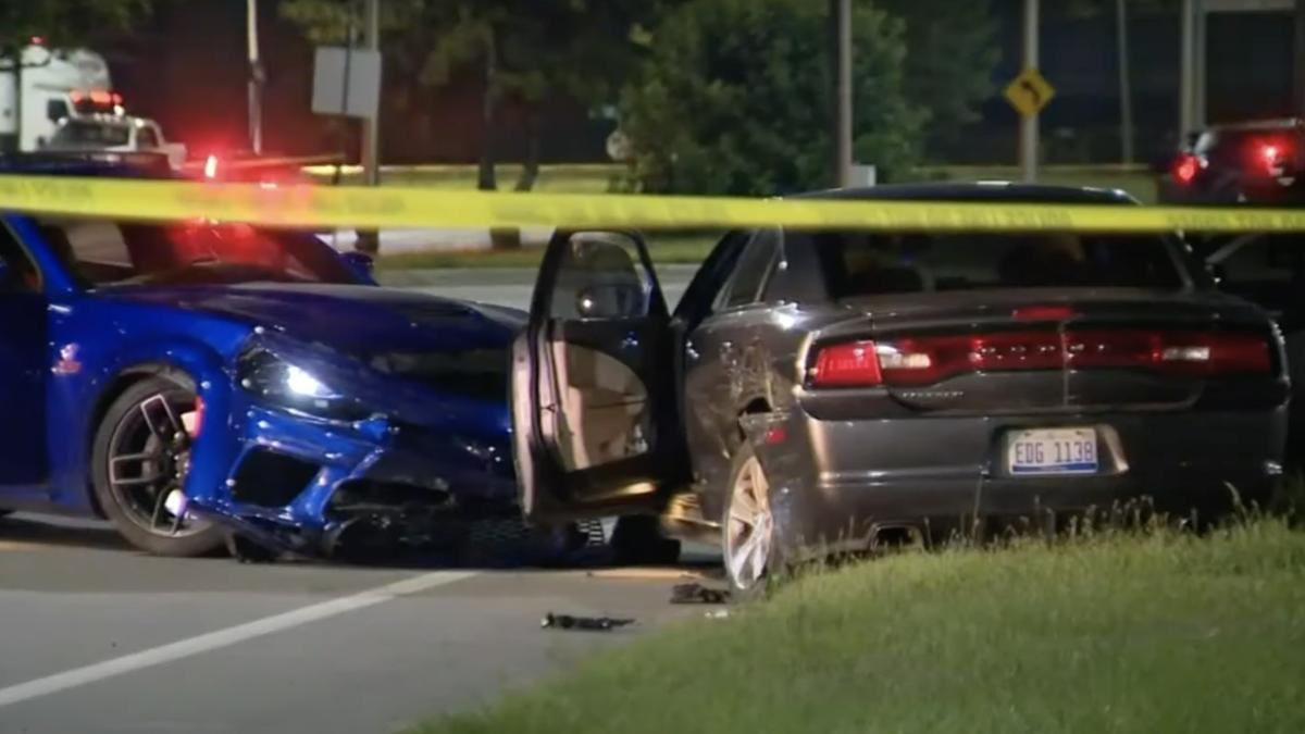 Undercover-Polizist tötet Beifahrer des Autos, das ihn beim Donut-Fahren angefahren hat