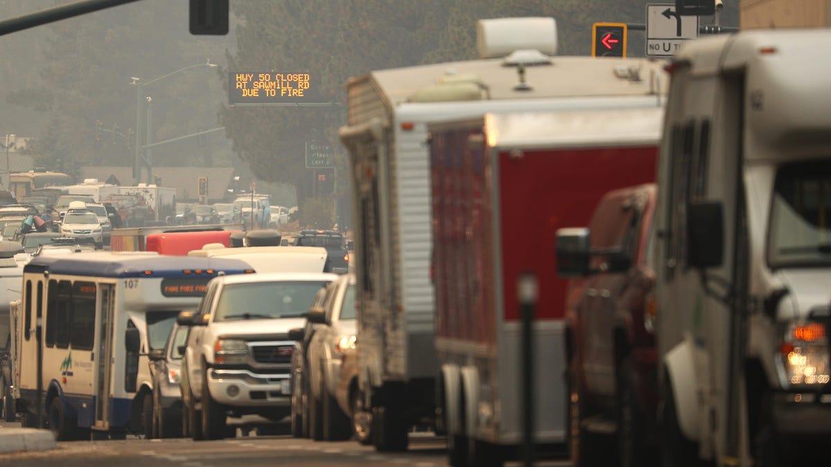 Stau in South Lake Tahoe: Autofahrer werden vor den Waldbränden evakuiert€