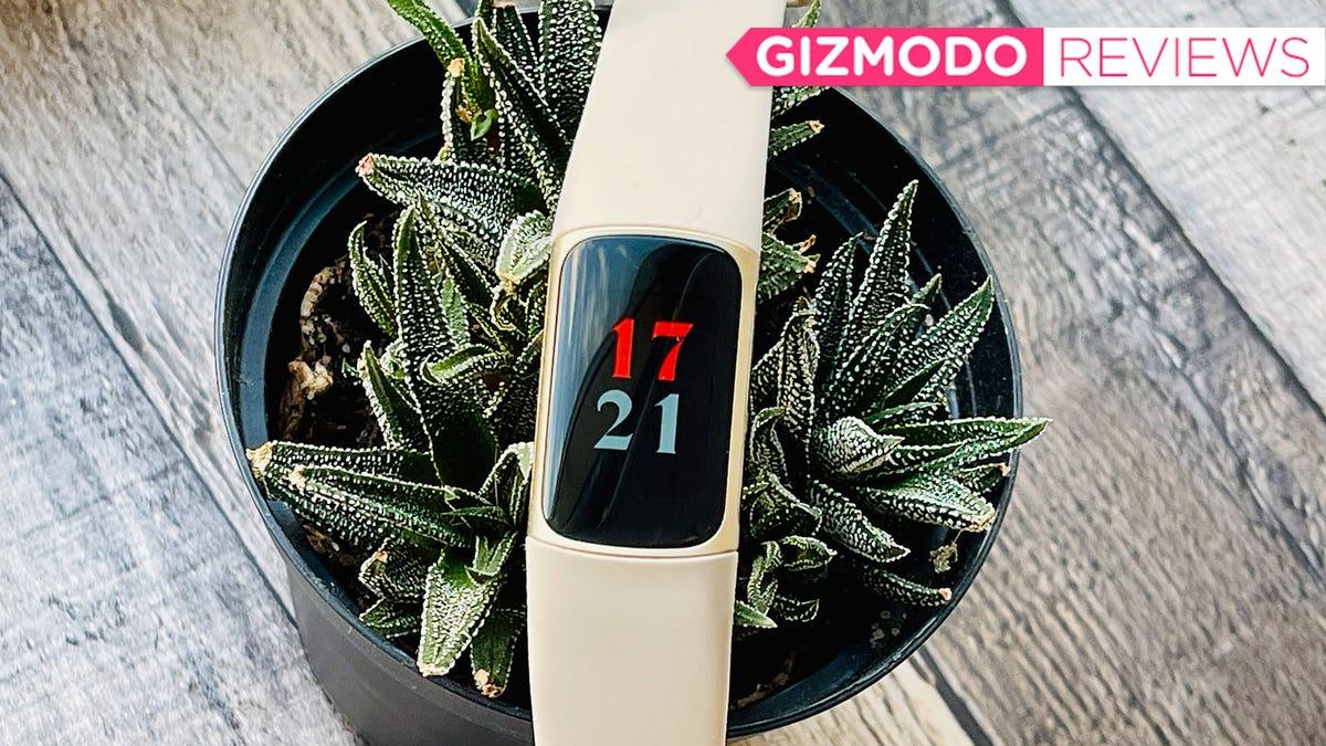 Fitbit's Most Advanced Fitness Tracker Is Pretty Underwhelming